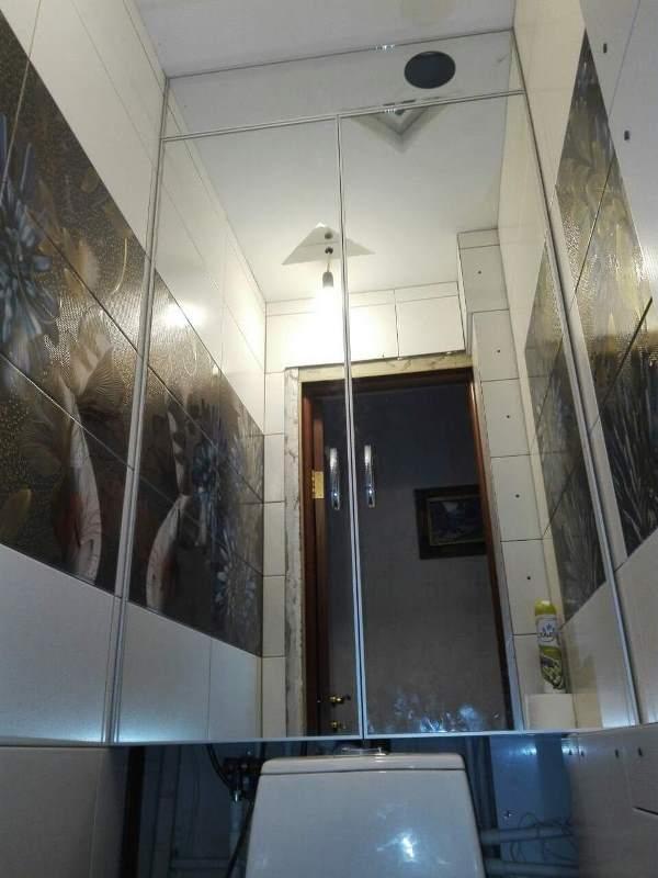 Сантехнический шкафчик с зеркальными створками