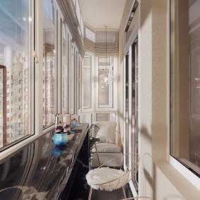 Длинный балкон в трехкомнатной квартире