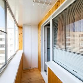 Красивая отделка лоджии с алюминиевыми окнами