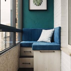 Оригинальный диванчик с ящиками для вещей