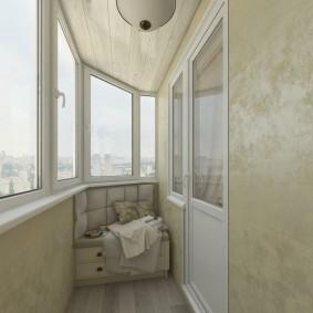 Отделка венецианской штукатуркой остекленного балкона