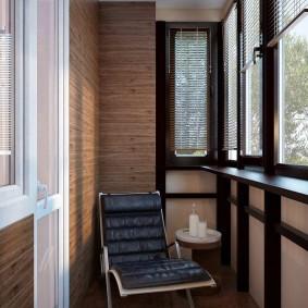 Обшивка доска стен на балконе