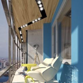 Декор потолка балкона панелями под дерево