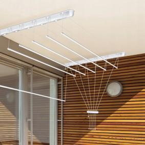 Реечная обшивка стены на балконе