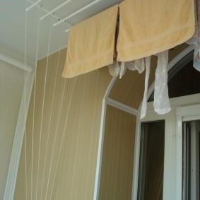 Сушка белья на балконной сушилке