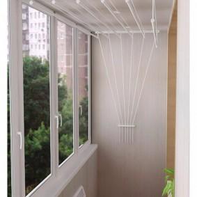 Пластиковое остекление узкого балкона