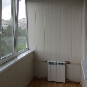 ПВХ-окна на балконе трехкомнатной квартиры