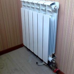 Алюминиевый радиатор отопления белого цвета