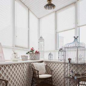 Уютный балкон в романтическом стиле