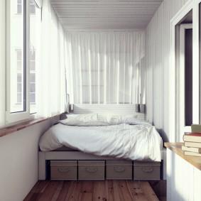 Спальное место на застекленной лоджии