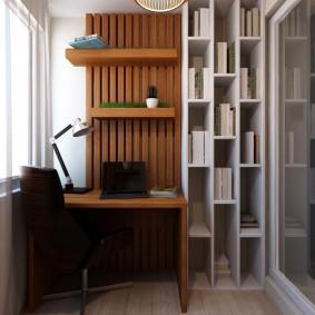 Рабочий кабинет на балконе в квартире