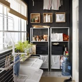Система хранения вещей и предметов на закрытом балконе