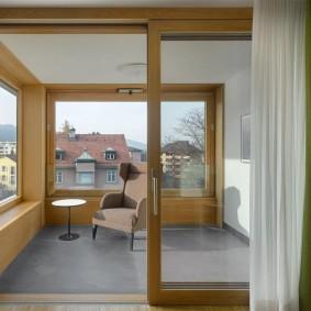 Раздвижная балконная дверь с панорамным стеклом