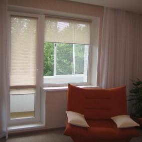 Стандартный балконный блок в трехкомнатной квартире