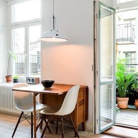Оформление окон в гостиной скандинавского стиля
