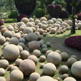 Шарообразные камни естественного происхождения