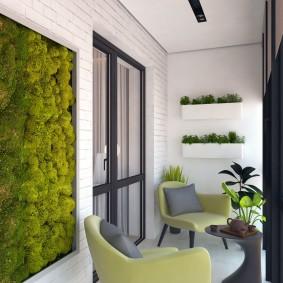 Живое панно из растений на стене лоджии