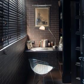 Освещение кабинета на балконе в стиле лофта