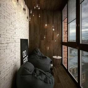 Панорамное остекление узкого балкона