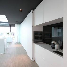 Встроенная кухня в стиле минимализма