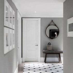 Минимализм в оформлении интерьера коридора