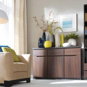Современная гостиная с мебелью из недорого материала
