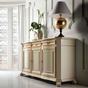 Настольная лампа оригинального дизайна