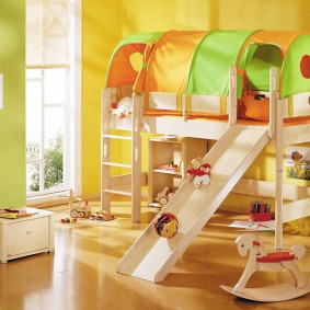 Детская мебель из окрашенной фанеры