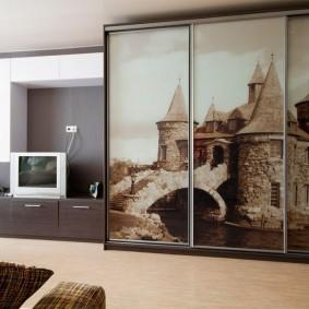 Купейный шкаф с фотопечатью на стеклах