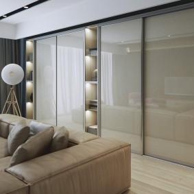Подсветка полок в шкафу купейной конструкции