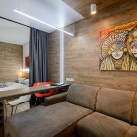 Ламинат на стене в квартире студии