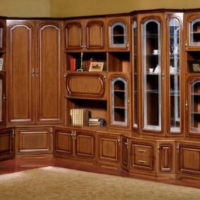 Мебель из дерева с угловым шкафом