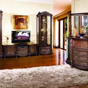 Меблировка гостиной комнаты в классическом стиле