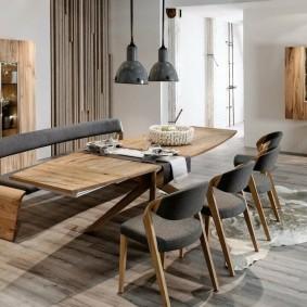 Обеденные стулья с обивкой серого цвета