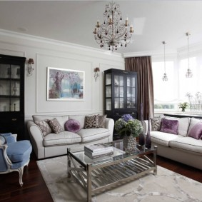 Фото интерьера гостиной с двумя диванами