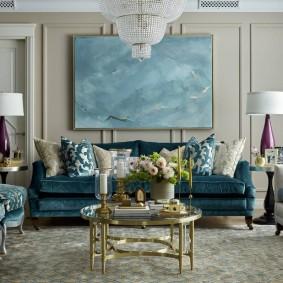 Декор стены над диваном современной живописью