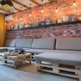 Стена гостиной комнаты в стиле лофта