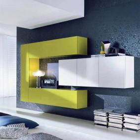 Навесная мебель с контрастными фасадами