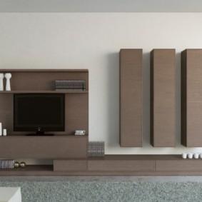 Темно-коричневая мебель с фасадами без ручек