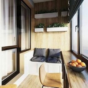 Барная стойка на балконе вместо подоконника