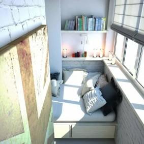 Интерьер небольшого балкона в современном стиле