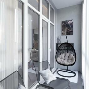 Панорамное окно между гостиной и балконом