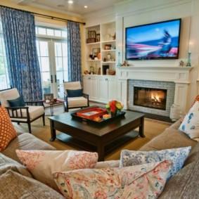Диванные подушки в интерьере гостиной