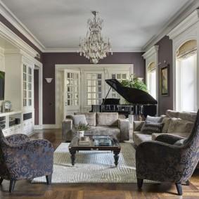Черный рояль в дизайне гостиной комнаты