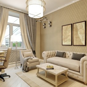 Уютная комната с небольшим диваном