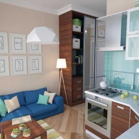 Синий диван в кухне-гостиной