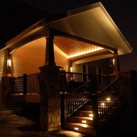 Фоновая подсветка террасы частного дома