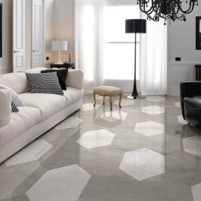 Узоры из керамогранита на полу в гостиной