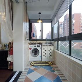Стиральная машина на утепленном балконе