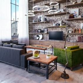 Просторная гостиная в промышленном стиле
